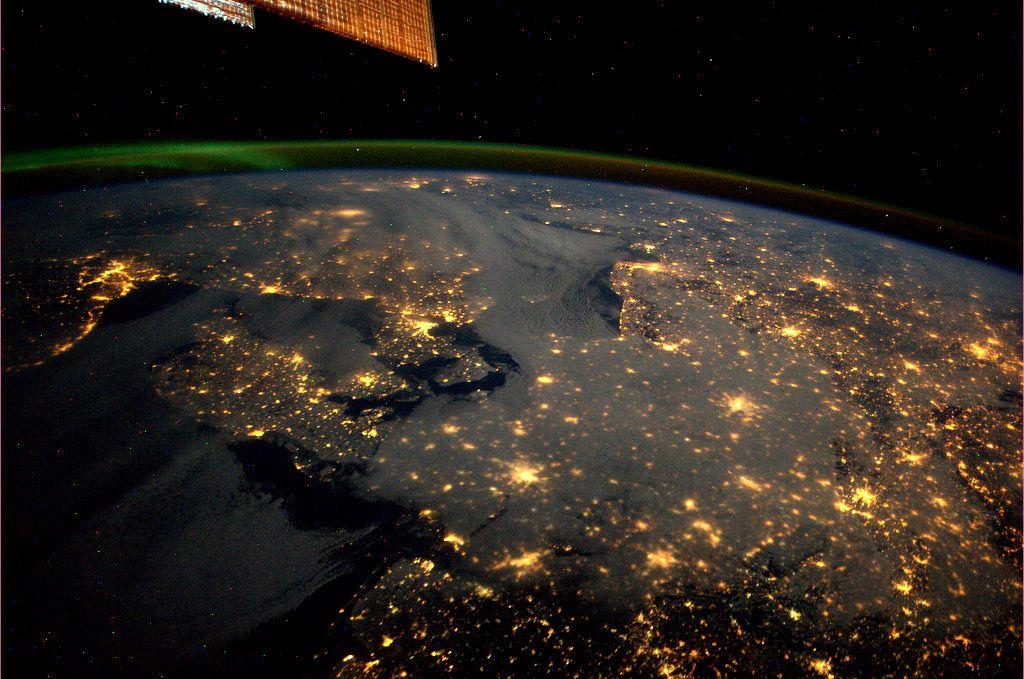 Deutschland, Dänemark und Nachbarländer bei Nacht, fotografiert von der ISS